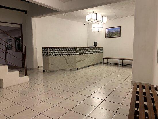 Huichapan, Mexico: Lobby: Aquí recibimos a los huéspedes y podrán realizar su check-in, así como preguntar las dudas que tengan de los atractivos turísticos de la región.