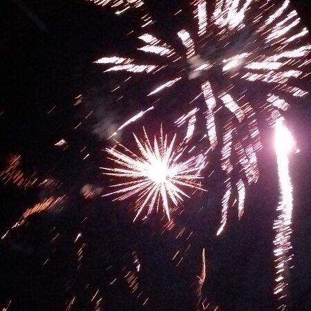 Pamplemousses: Happy new year 2021  Bonne et heureuse annee 2021.on espere que l'annee sera mieux que 2020.