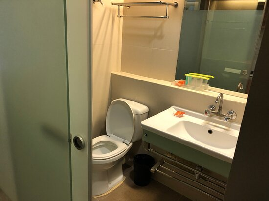 modern and clean, free amenities and toiletries