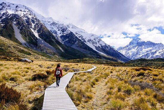 Full-Day Guided Sightseeing Tour of Mount Cook from Queenstown