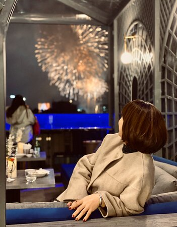 A private nook with direct view of firework