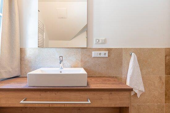 Mauterndorf, ออสเตรีย: Top 3 - Appartement Obertauern Waschtisch