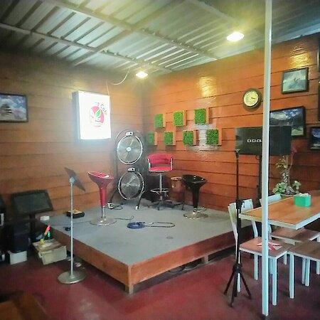 Waroeng Cafe