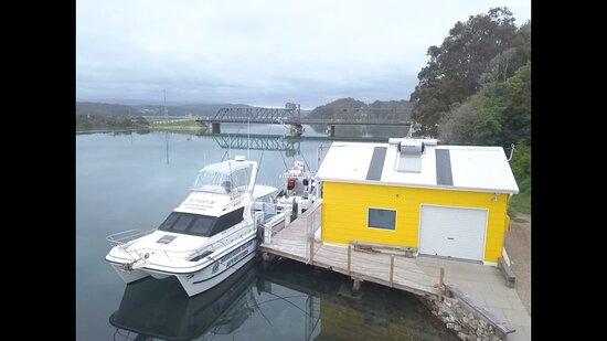 Montague Island Adventures & Charter Fish Narooma