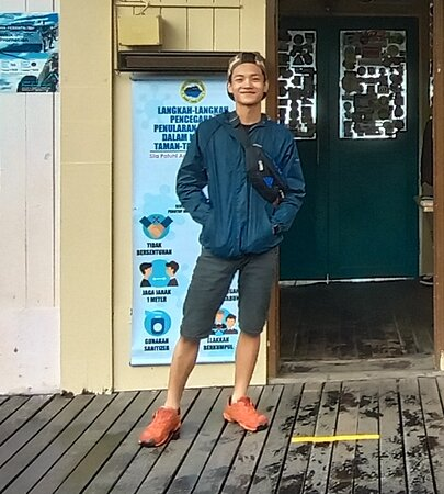 This is Aaron, our Mount Kinabalu climbing trip guide.