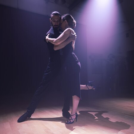 Palais de Danse Dance studio in Dubai. Learn how to dance Ballroom, Latin American and Social dance style!   For the price of AED99 only for an introductory dance lesson.