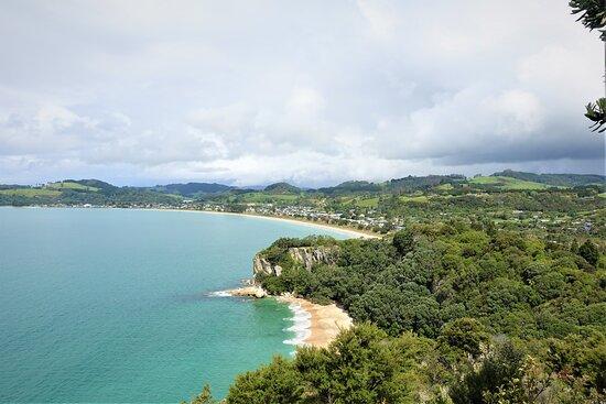 Cooks Beach, New Zealand: Shakespeare Cliff