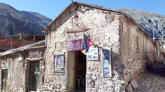 Centro de información turística-cultyral a su llegada en el municipio de Iruya.