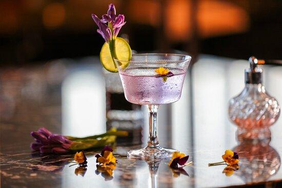 Hyatt-Regency-Phnom-Penh-FiveFive-Rooftop-Moonlight-Dance-Cocktail