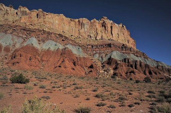 Nel Parco Nazionale di Capitol Reef - Utah - USA. Cliccare sulla foto per vederla come scattata.