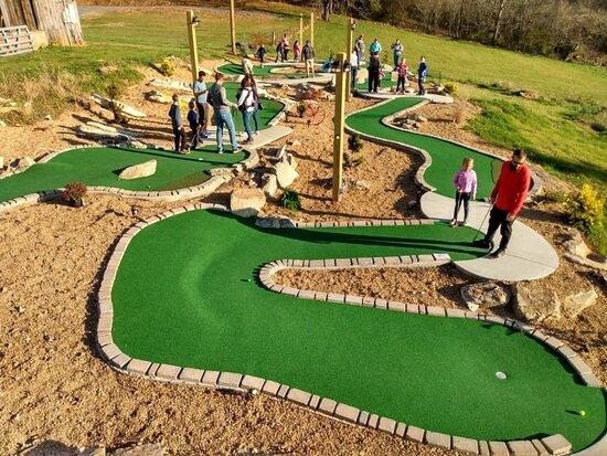 Johnson City, Tennessee: 18-hole Mini-Golf Course