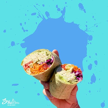 3Natives offers a variety of healthy wraps and salads.