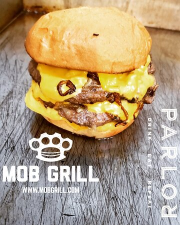 the MOB XL Burger (2/3lbs of beef!)