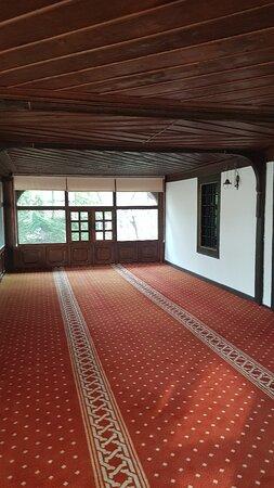 Sarıkadı Camii