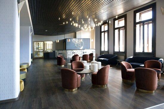 Louge Bar Pracatinat Hotel & Restaurant