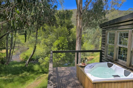 Toorongo River Chalets