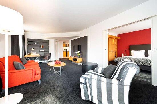 Suite (70sqm) at THE MADISON Hotel Hamburg