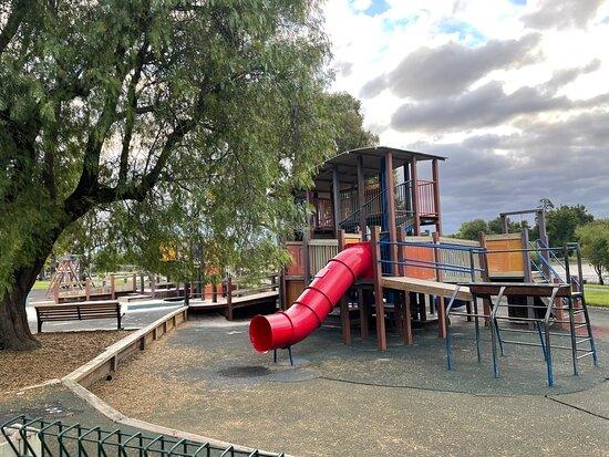 Weeroona Lake Playground