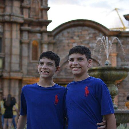 Marco das três fronteira lado brasileiro venha se encantar como eles estão.