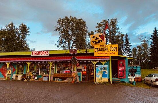Burns Lake, Kanada: Visit Decker Lake Trading Post!