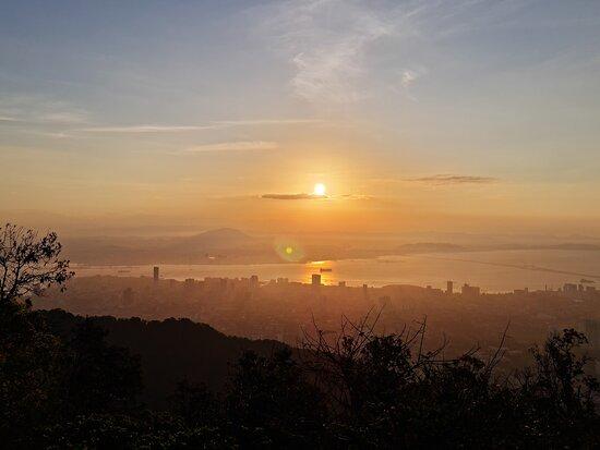 Penang Hill Funicular Ticket: Beautiful sunrise!
