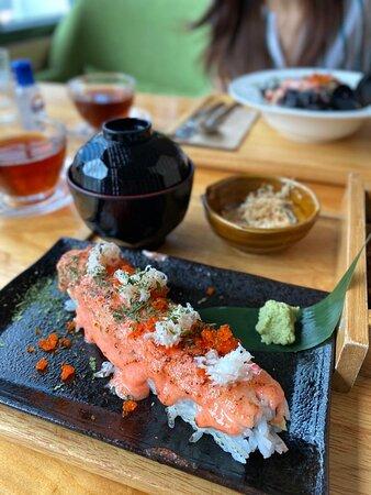 明太子醬燒松葉蟹肉壽司