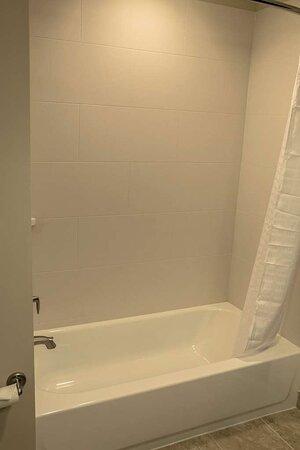 Centralia, IL: Shower/Tub