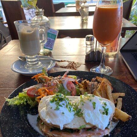 Incredible breakfast by éli