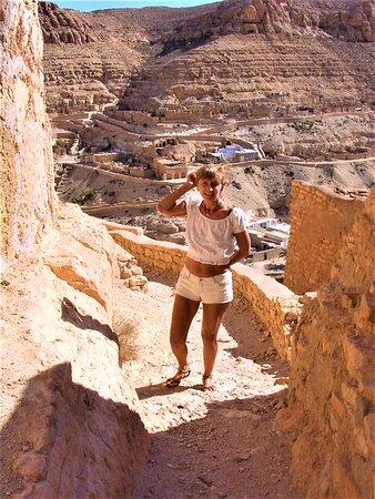 Tataouine Cheneni 1 day visit: il faur redescendre en direction du restaurant Mabrouk