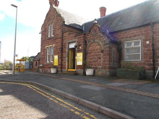Ellesmere Port Railway Station