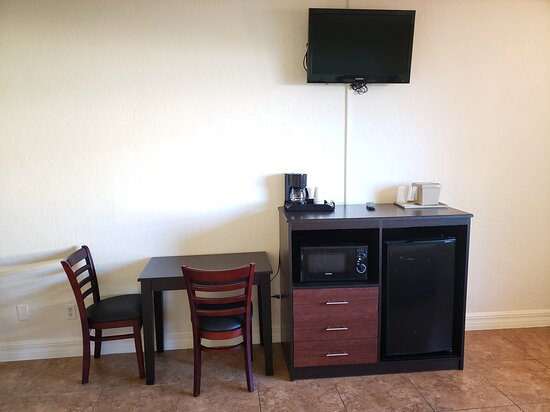 Seating in Handicap Accessible Room - City view