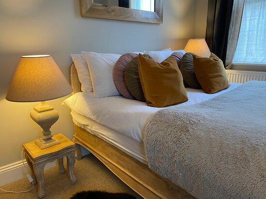 Mango bedroom at No. 22 B&B