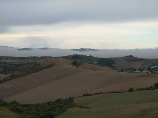 Hiking and Brunello: Just in Toscany: trekking e brunello