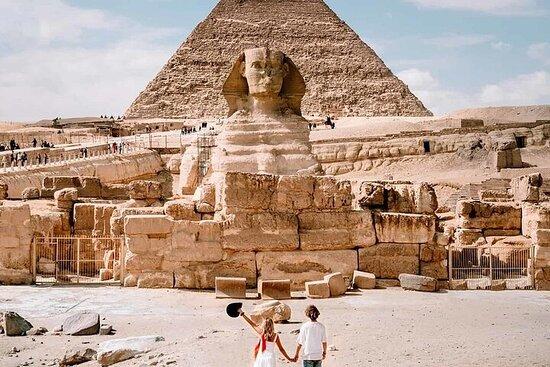 吉薩金字塔和太陽能船
