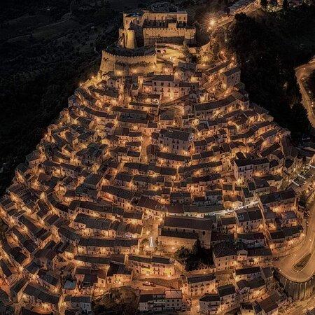 Calabria, Italia: Rocca imperiale . Cosenza