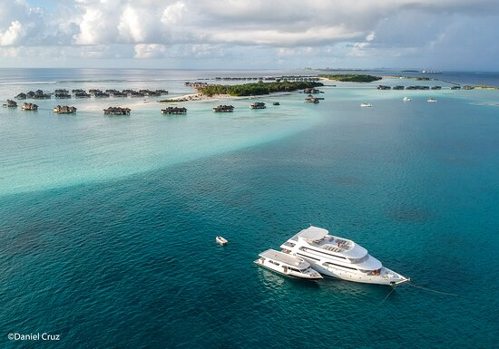 Maldives: Nosso barco Princess Rani a sua disposição para navegar pelo paraíso.