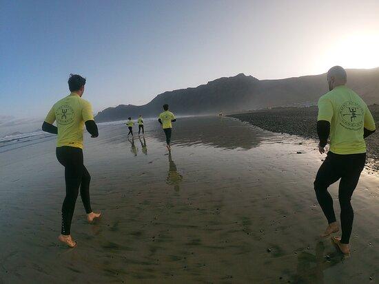 Surf School Lanzarote: Sunrise Session