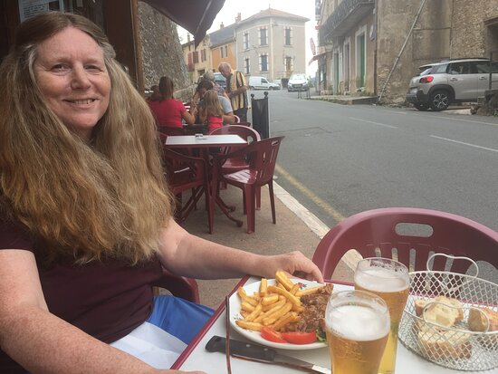 Olargues, Frankrig: Photo d'une précédente visite donc pas de masque facial