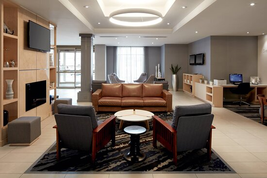 Fairfield by Marriott Montreal Airport