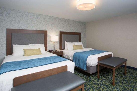 2 Bedroom Suite - Queen Room