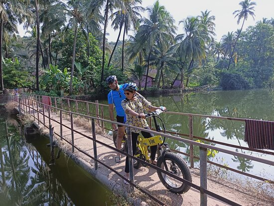 BLive Electric Bike Tours – Village Vistas of Cansaulim: a TIny Anonymous Bridge in the middle of Nowhere!