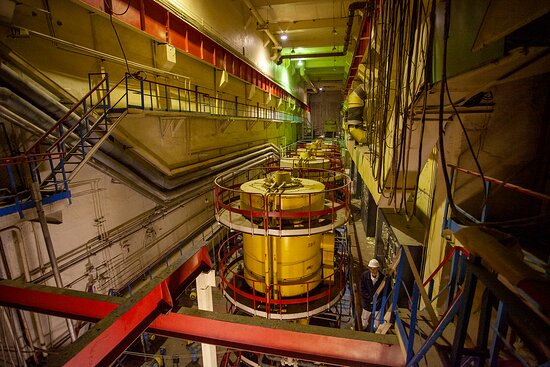 Зал ГЦН - главных циркуляционных насосов для одного из блоков Чернобыльской АЭС.
