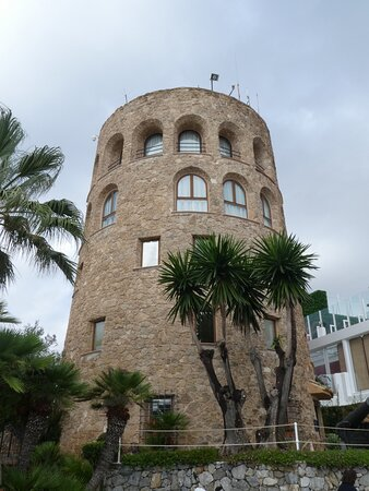 The watchtower overlooking the harbour