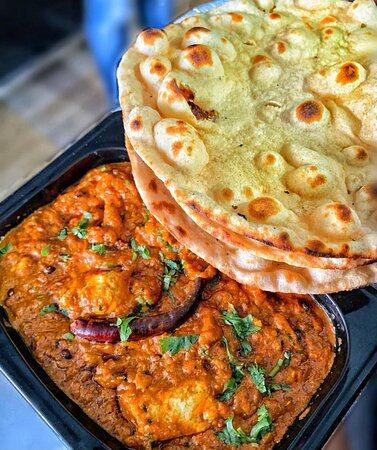 Paneer butter masala with crispy Tandoori roti is love ♥️ of every vegetarian   Order Now from your local favourite Chhote's  [ Raleigh ] & Get 10% OFF   Order Now ! 👇🏻👇🏻  https://bit.ly/37nAgGl  #paneerbuttermasala #tandooriroti #vegetarianlovers  #ncbloggers  #northcarolinafood   #ncfoodfinds #ncfood #cary #carync #caryfoodies  #apexnc #charlottenc #raleighnc #raleighfoodpics #charlottencfood #morrisvillenc #wakeforestnc #downtowncary #concordnc #ncbloggers