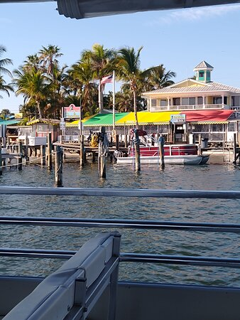 Leaving capt hiram's resort for the dolphin cruise