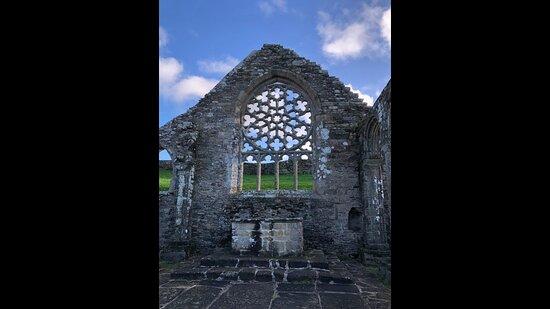rosace de pierre de la Chapelle de Languidou à Plovan