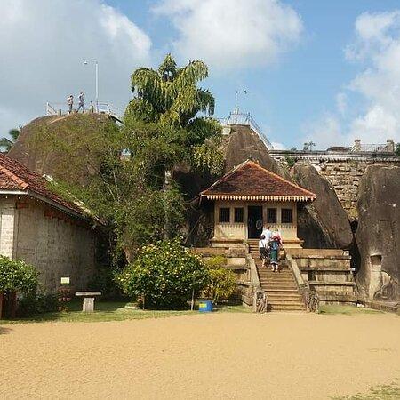 Isurumuniya Viharaya was constructed during the reign of Devanampiya Tissa who governed in Anuradhapura