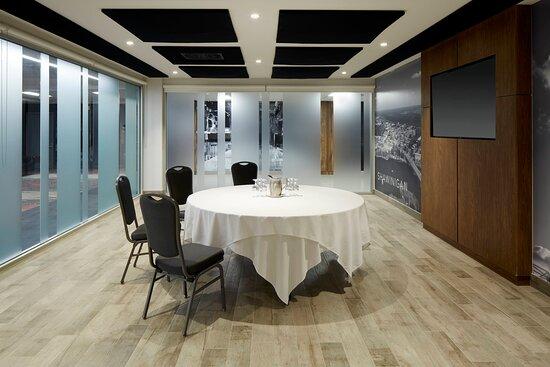 Shawinigan Meeting Room