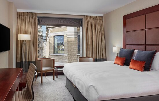 Leonardo Royal London St Pauls Club Room