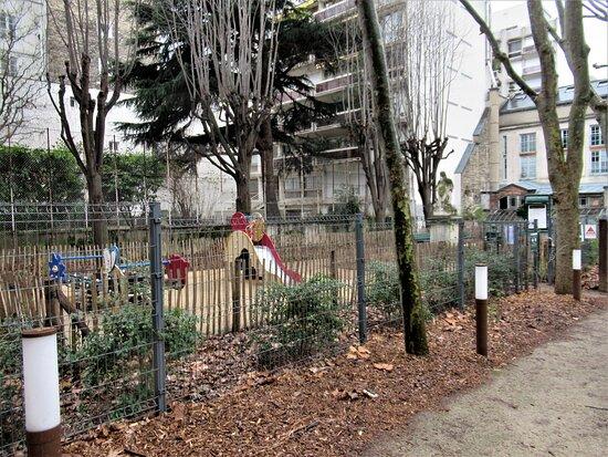 Παρίσι, Γαλλία: Le jardin